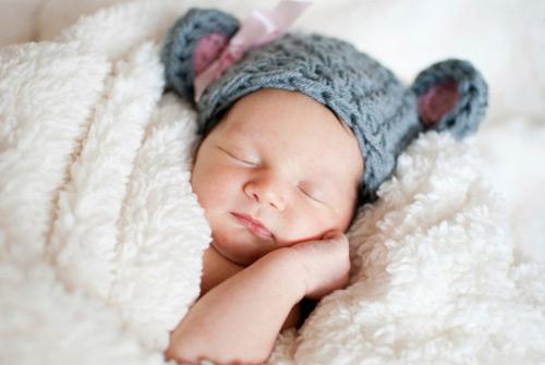Mẹo giữ ấm cho bé yêu khi ngủ mùa đông - 1